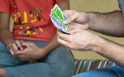 Desenvolupa competències amb els millors jocs de cartes